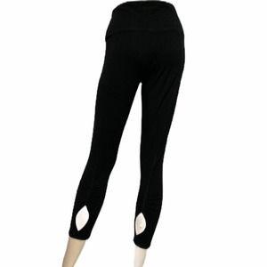 VS PINK M keyhole leg yoga tight crop Capr…